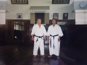 Sensei Miyazato Eiichi et Sensei Ramanitrandrasana René en 1997